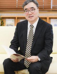 [서울경제] 文 대통령 리더십, 무엇이 문제인가